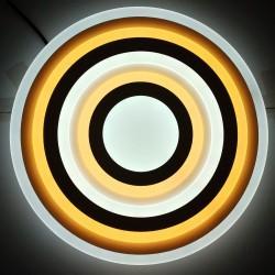 LED griestu lampa - vairāki trijstūri pārklāti vies pār otru, gaišāki toņi