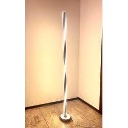 Lámpara de pie LED F001